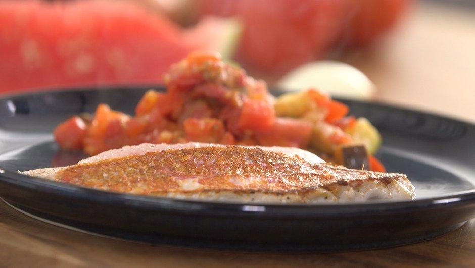 Rouget-barbet et ratatouille express à la pastèque