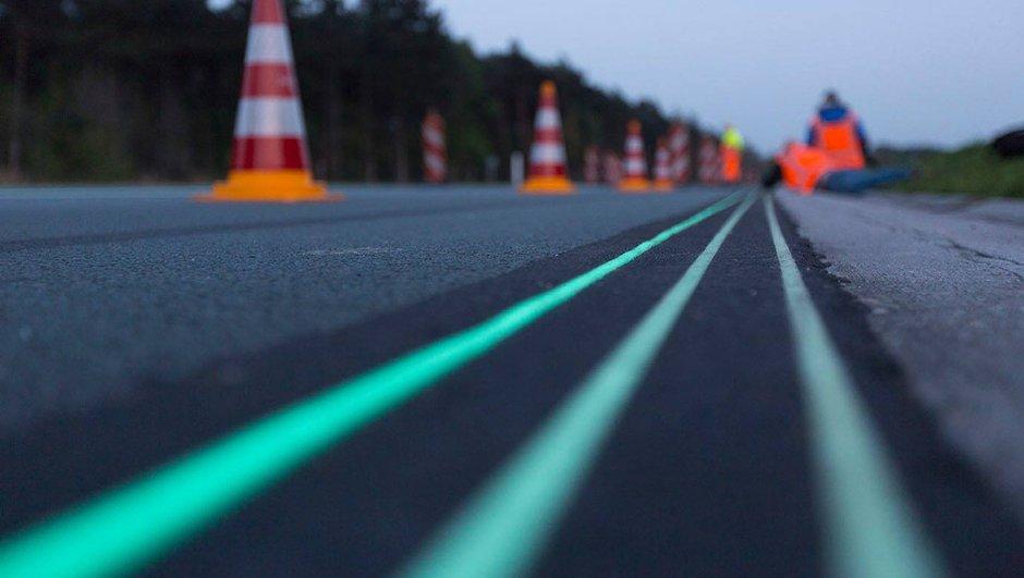 Insolite : une route phosphorescente aux Pays-Bas
