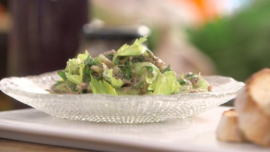 Salade de céleri branche à l'anchoïade.