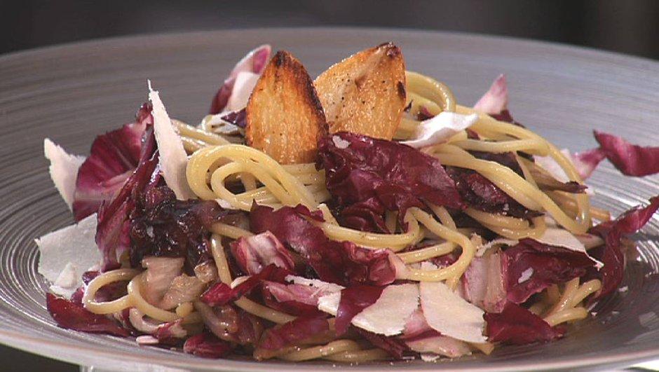 Spaghetti au pecorino et trévise