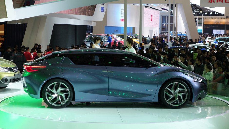 Salon de Shanghai 2013 : Nissan Friend-ME Concept, curieuse berline