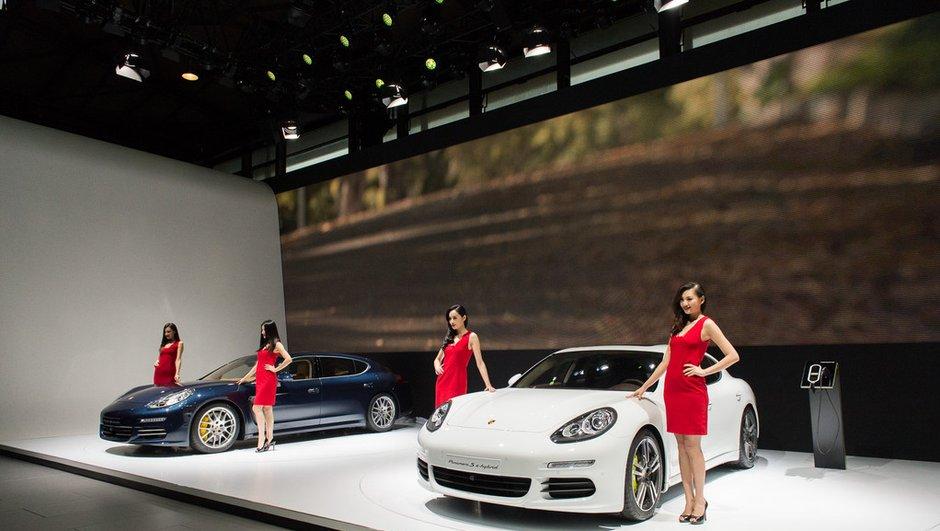 Salon de Shanghai 2013 : Porsche Panamera restylée, rallongée et électrisée