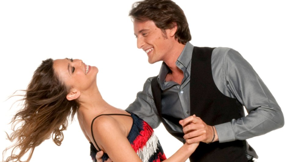 Vidéo - Danse avec les stars : Sandrine Quétier et Vincent Cerutti font des entrechats