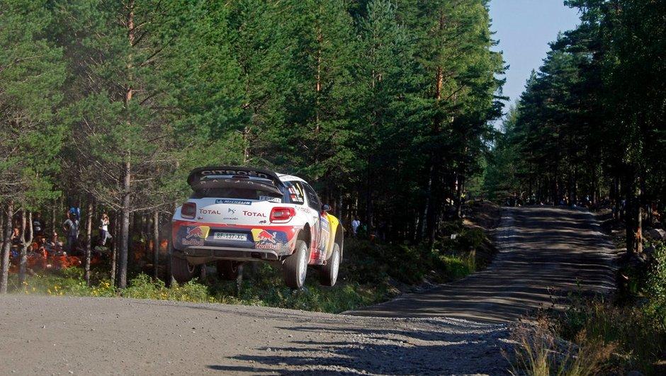 WRC - Spéciale 11 : Loeb 1er profite d'une faute d'Ogier