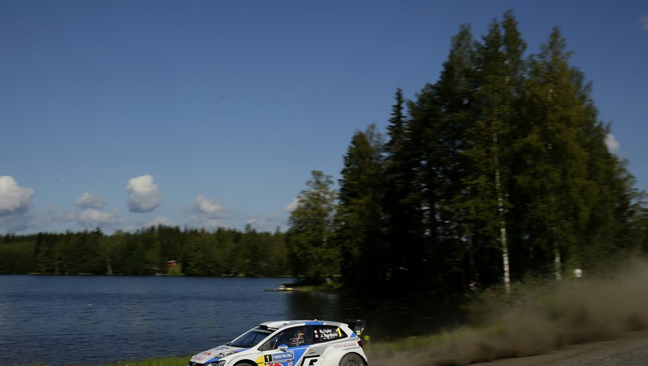 wrc-rallye-de-finlande-2014-ogier-revient-talons-de-latvala-7883192