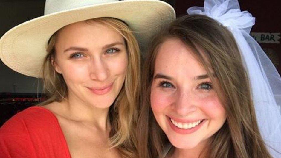 Les Frères Scott : Shantel VanSanten, en larmes pour le mariage de sa petite sœur