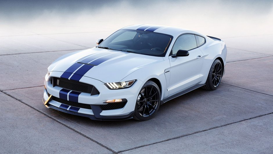 ford-shelby-gt350-mustang-2015-500-chevaux-sauvages-laches-a-los-angeles-1429394