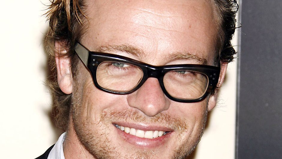 look-coiffure-jour-simon-baker-de-mentalist-blond-so-sexy-4130074