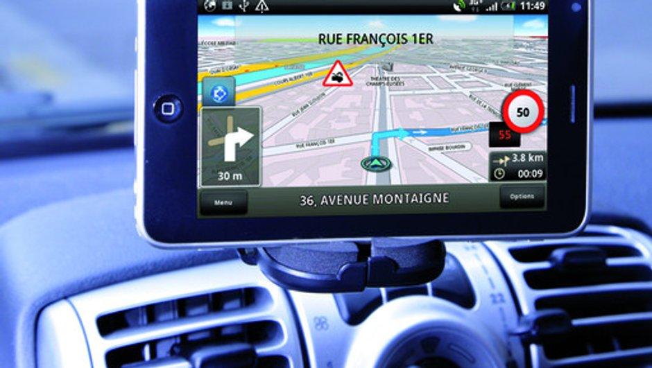 SmartGPS AUTO-MOTO : un GPS communicant sans concurrence
