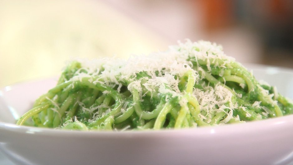 Spaghetti au pesto de fanes de radis