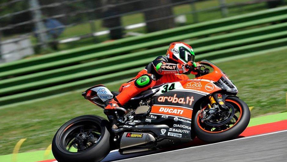Superbike - Imola 2015 : Giugliano prive Sykes de la pole