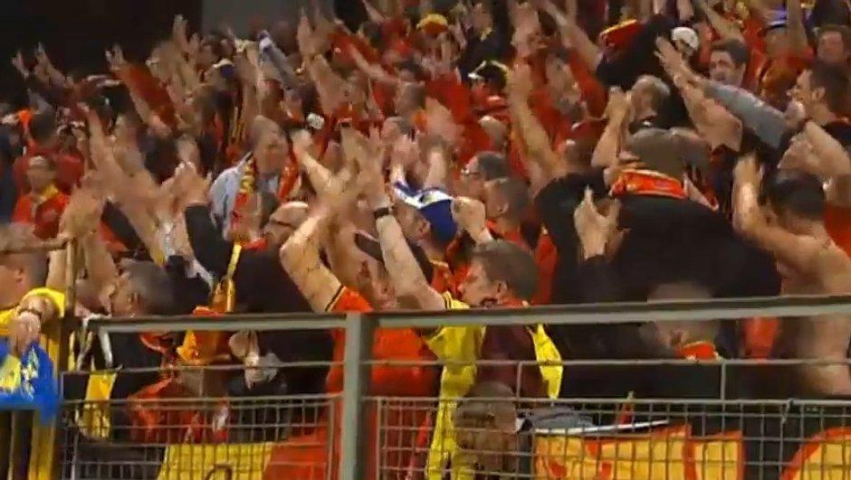 video-insolite-beau-geste-supporters-belges-bosniens-6100073