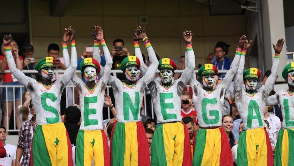 Des supporters sénégalais et japonais ont fait le ménage dans leurs tribunes