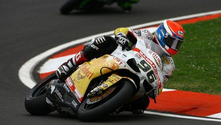 superbike-victoire-podium-guintoli-a-assen-1053626
