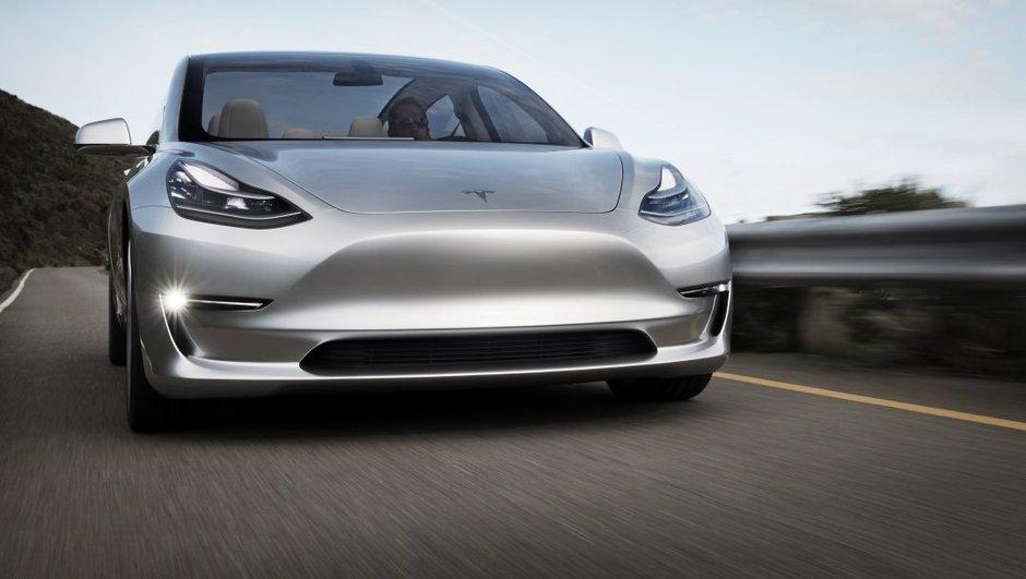 Tesla : Elon Musk dévoile une vidéo de la future Model 3