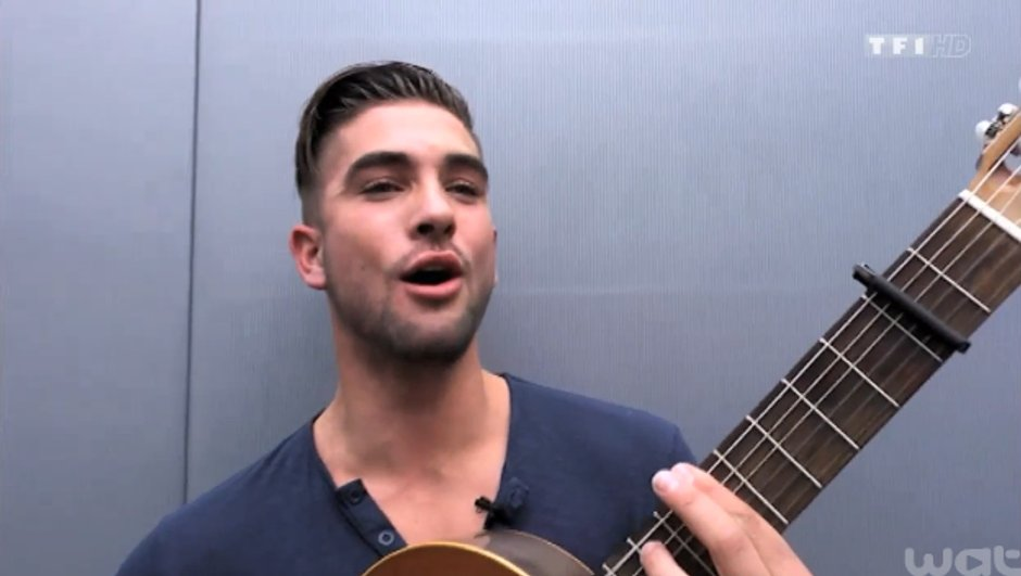 the-voice-3-showcase-prive-kendji-reclame-bisous-3839601