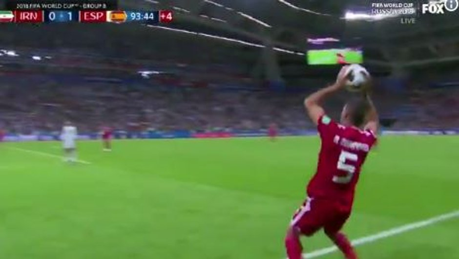La touche la plus improbable du Mondial, oeuvre d'un joueur iranien