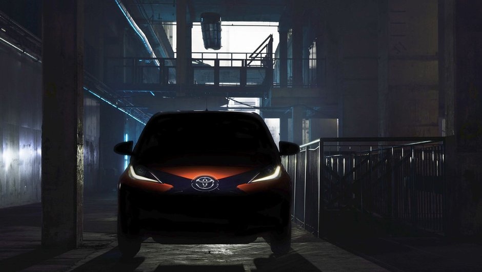 nouvelle-toyota-aygo-2014-une-photo-une-video-teaser-geneve-7582334