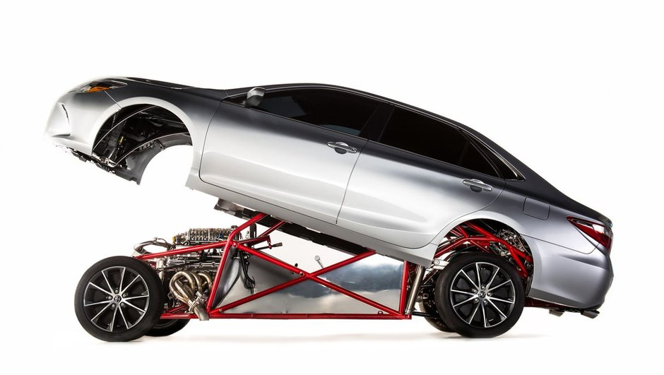 Toyota Sleeper Camry : le monstre sommeille au SEMA Show 2014