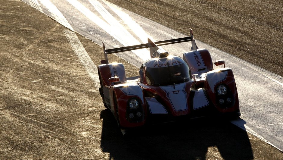 24-heures-mans-2012-toyota-n-a-survecu-a-nuit-1134016