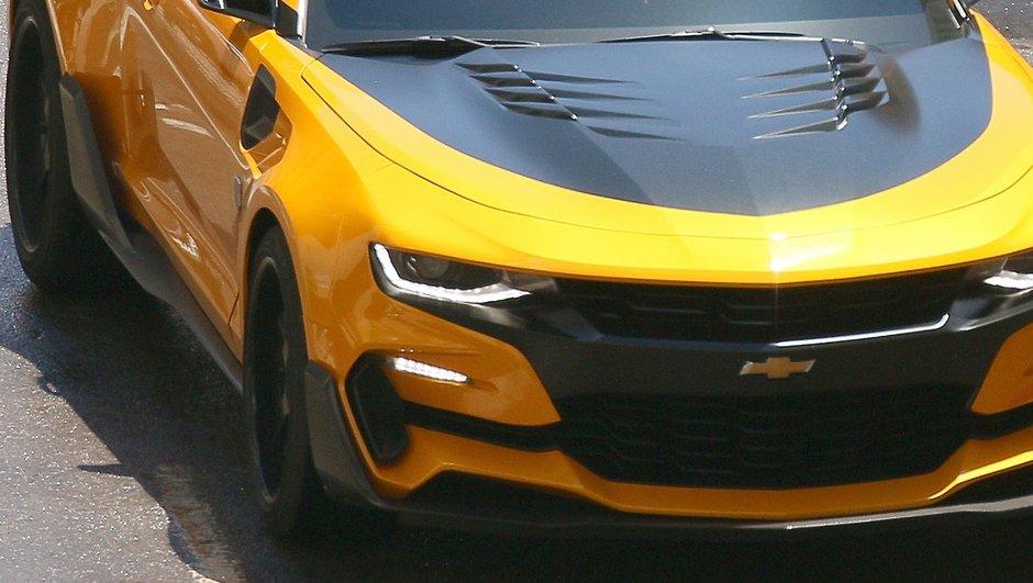 Transformers 5 : Bumblebee et Barricade surpris en photos !