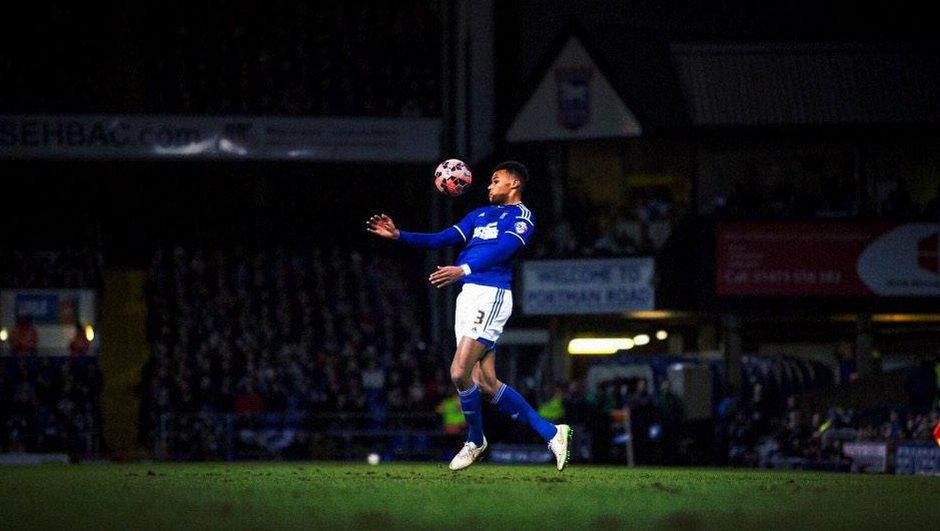 Insolite : Tyrone Mings, joueur d'Ipswich Town, éponge toutes les dettes de sa mère