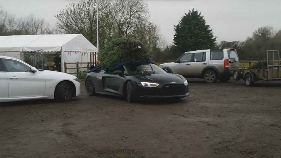 Vidéo : Comme sur une Porsche GT3 RS, il est possible de transporter son sapin de Noël en… Audi R8