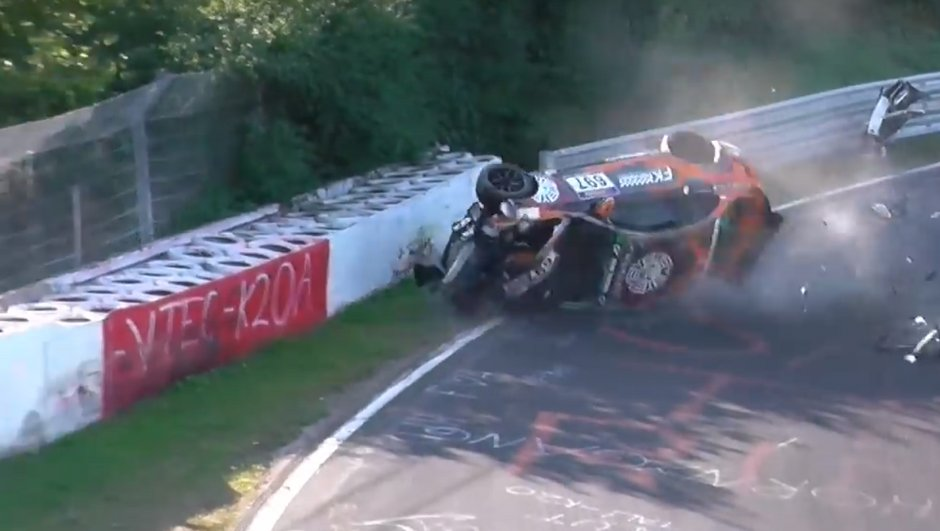 video-trois-bmw-accidentees-dont-une-toit-nuerburgring-5293733