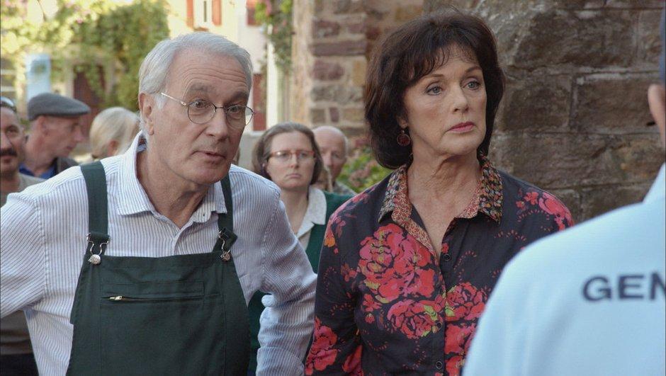 Une Famille Formidable - REPLAY TF1 : Revoir la soirée du lundi 20 octobre 2014