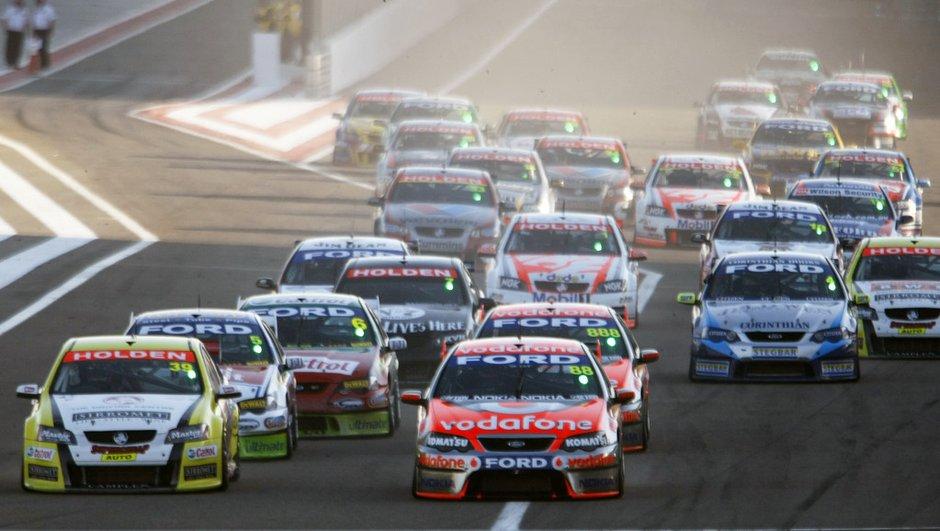 V8 Supercars : Nissan et Mercedes débarquent !