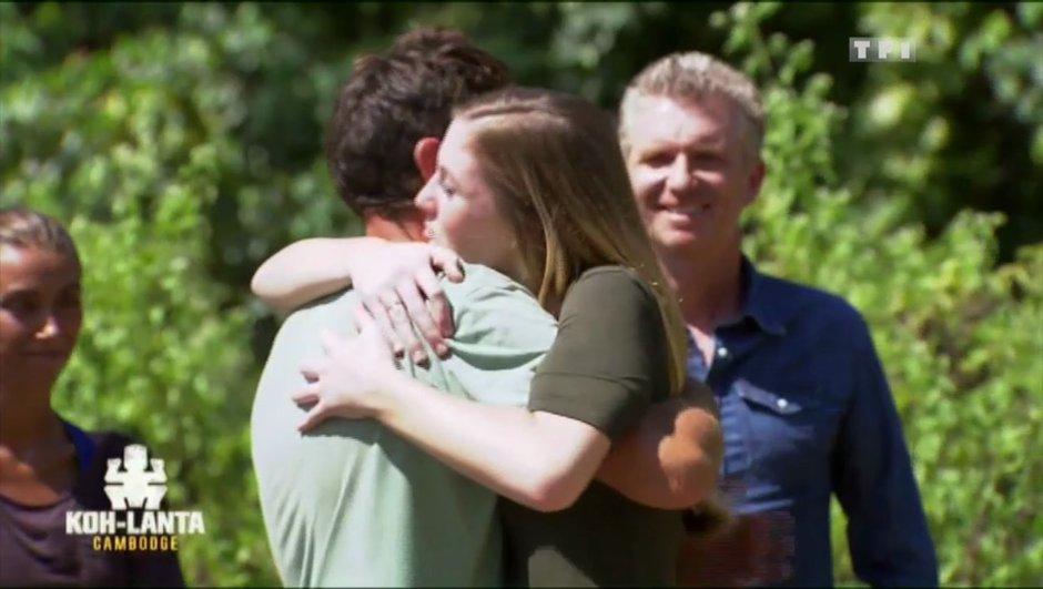 """""""Tout va bien"""" - Elinor réconforte son frère Vincent"""