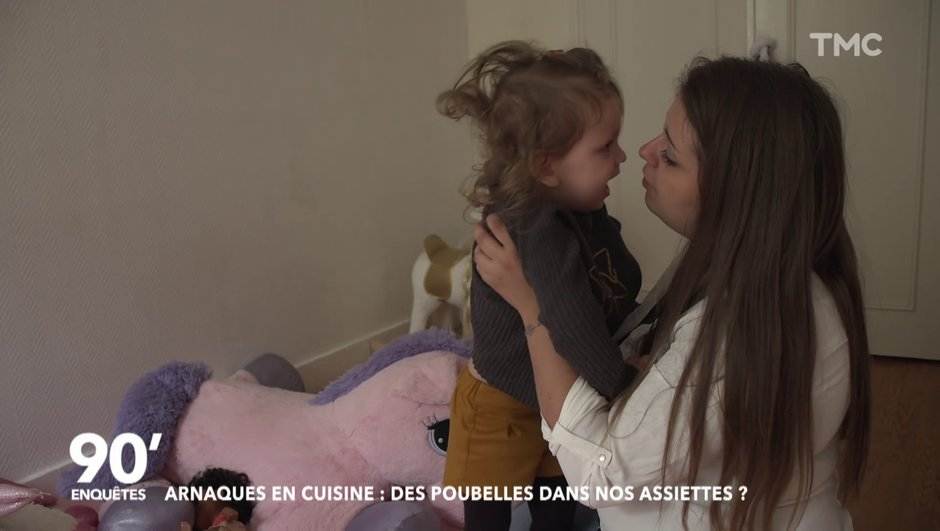 Le combat de Carla, la maman de Giulia, intoxiquée par un fromage