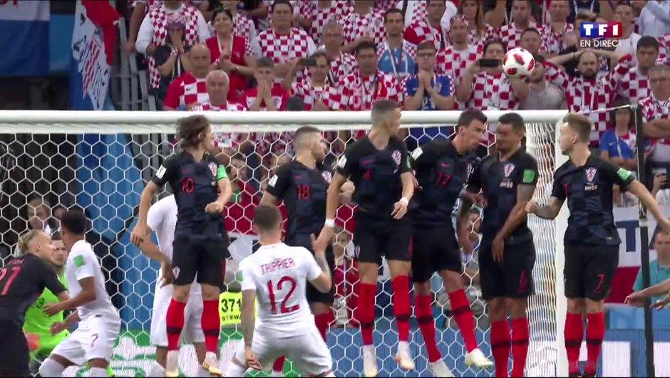video-croatie-angleterre-0-1-trippier-libere-anglais-d-un-somptueux-coup-franc-7178968