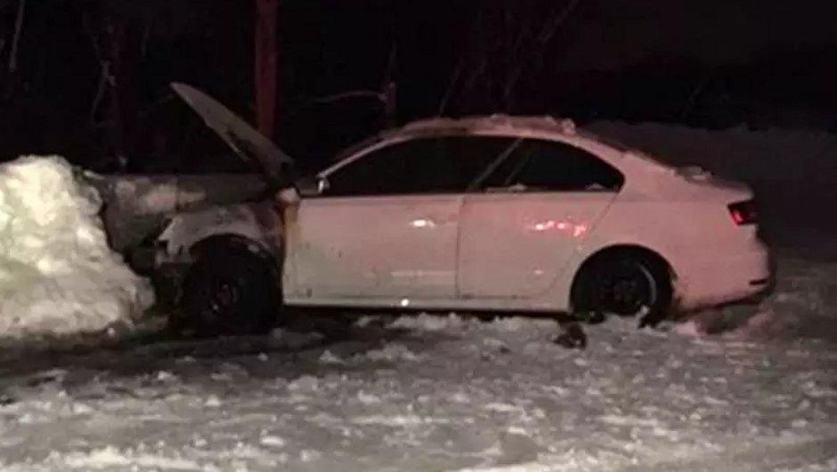 Insolite : Pour sortir de la neige, il tente une astuce (risquée)… et explose son moteur