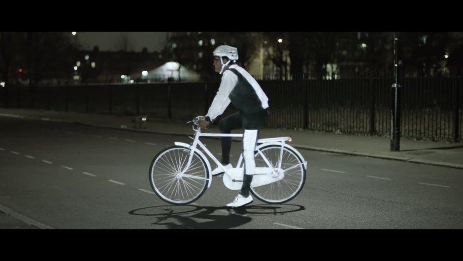 Insolite : Volvo lance un aérosol réfléchissant pour cyclistes