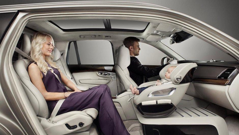 Volvo XC90 Excellence Lounge Console : un siège bébé sur mesure
