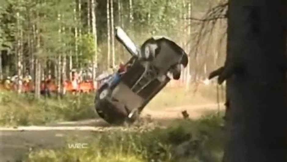 WRC Finlande 2010 : Hirvonen victime d'un accident impressionnant