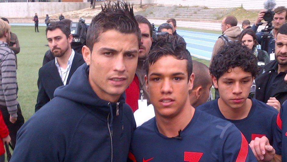 Ronaldo rencontre son sosie dans Téléfoot !