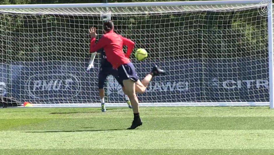 PSG : Zlatan Ibrahimovic marque un nouveau but venu d'ailleurs